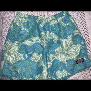 Vineyard vines men's swim trunks -large
